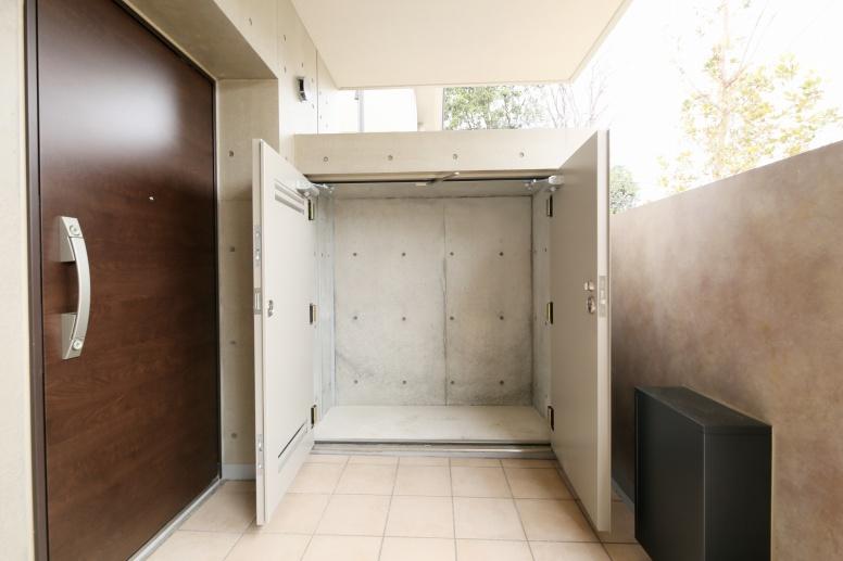 玄関・トランクルーム(タウンハウス)